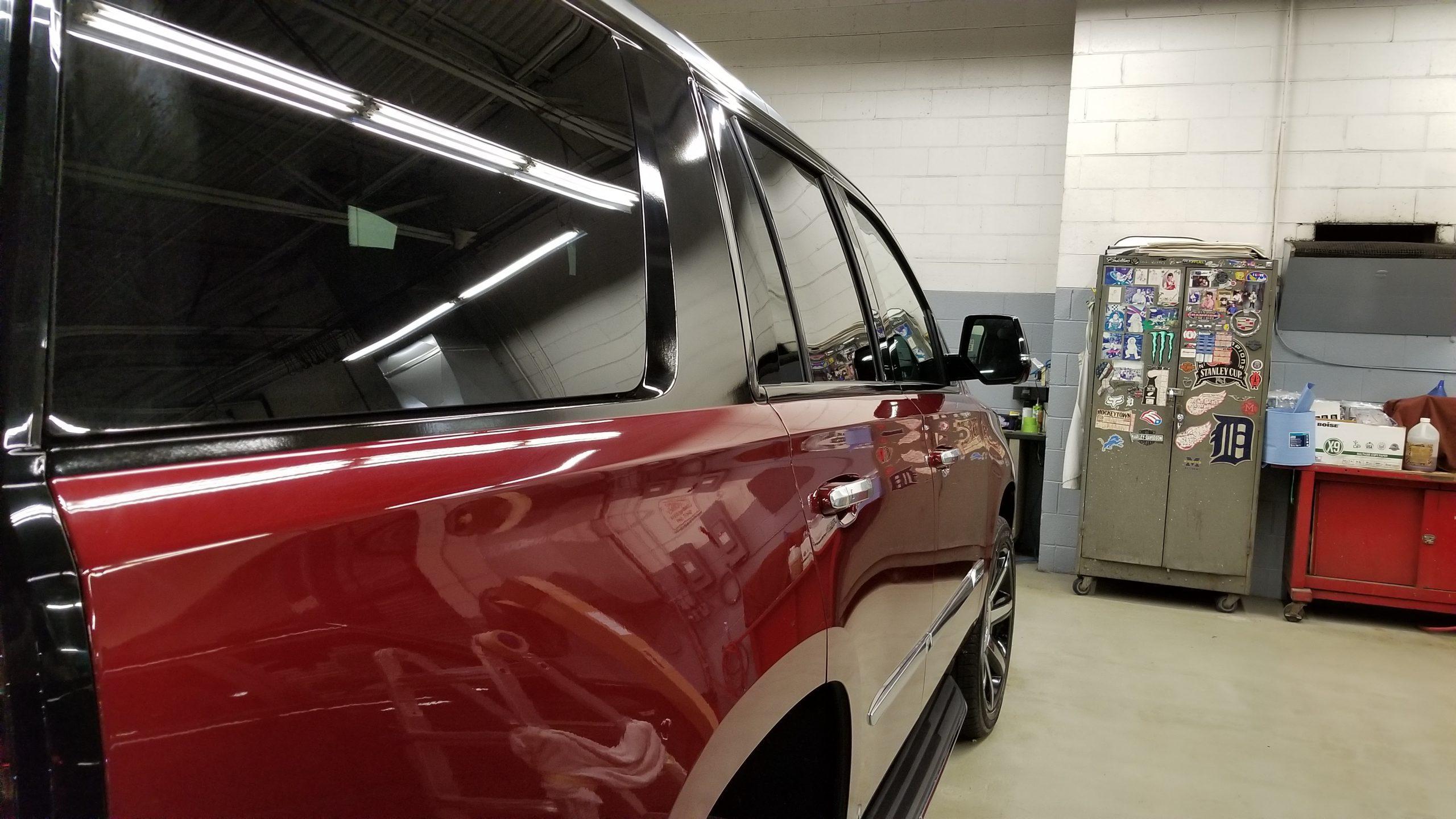 Cadillac Escalade - 09