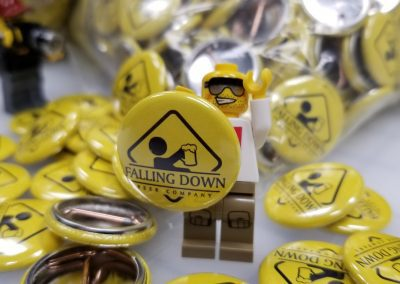 Falling Down Beer – Pins