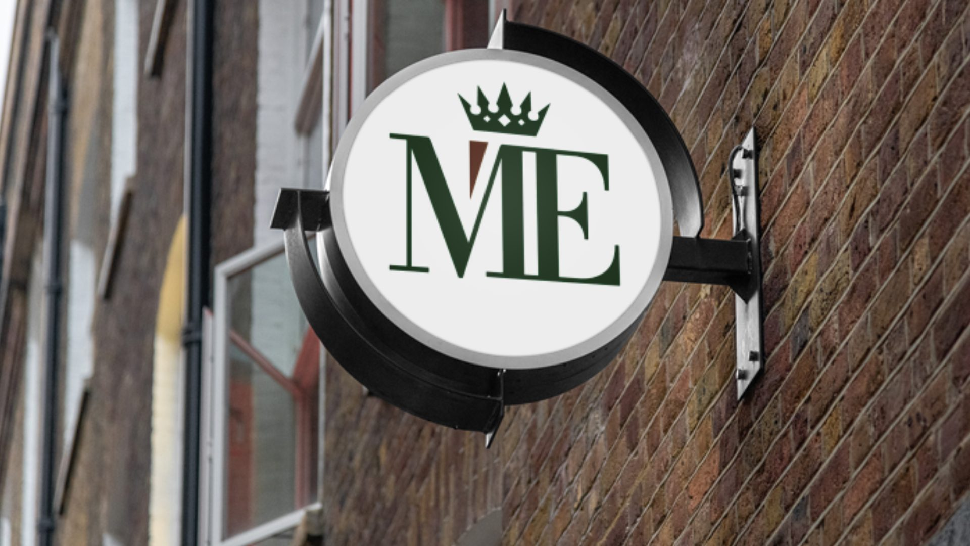 ME - Crest Logo Mockup 08